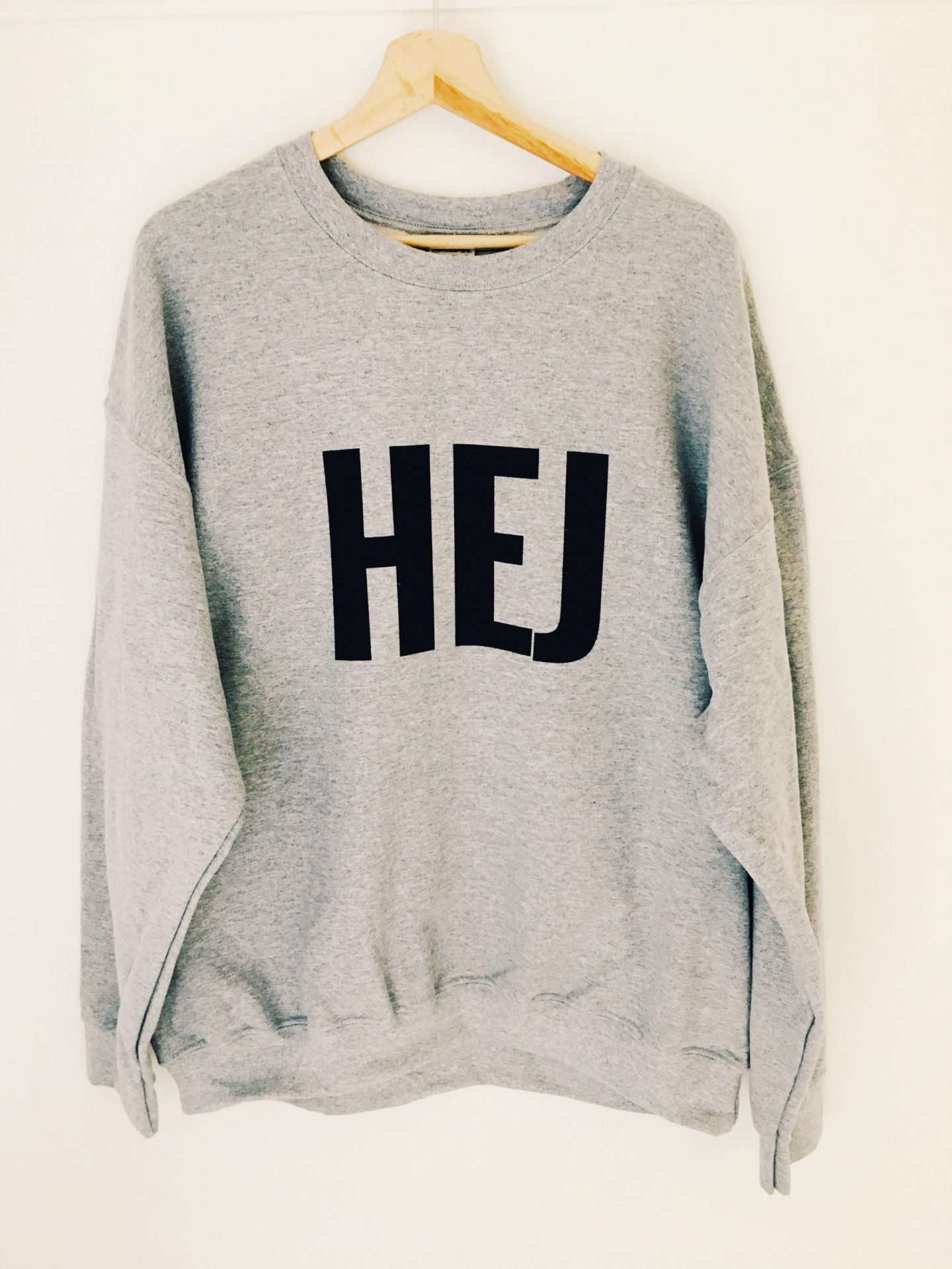 MONMUM LIVING HEJ MENS SWEATER